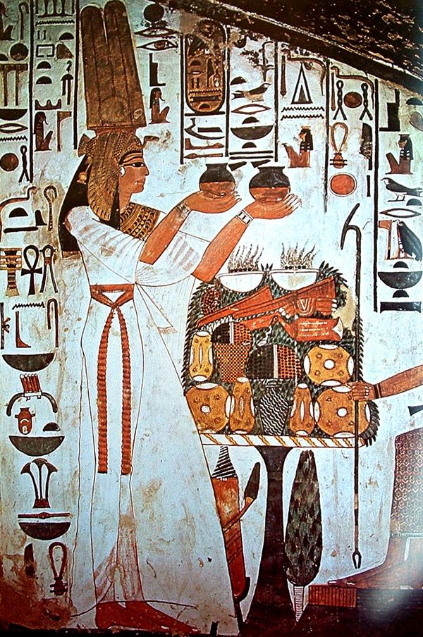 Nefertari ofreciendo a Isis
