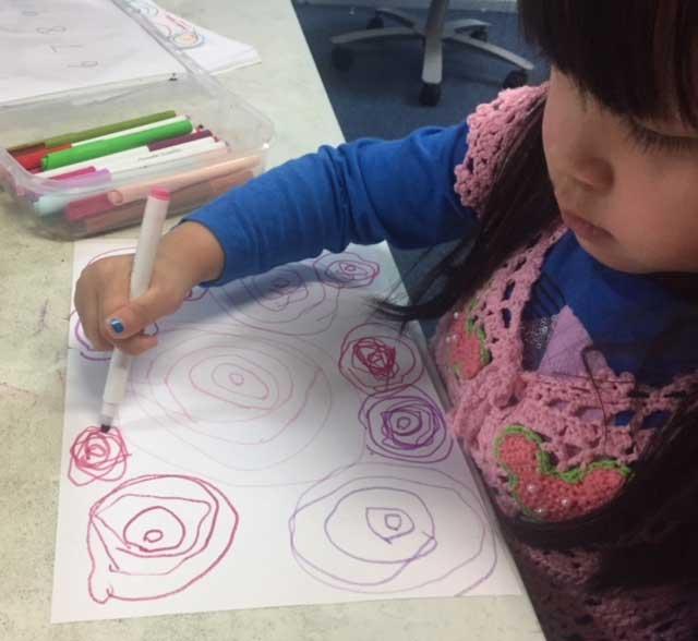 Dibujo infantil con círculos
